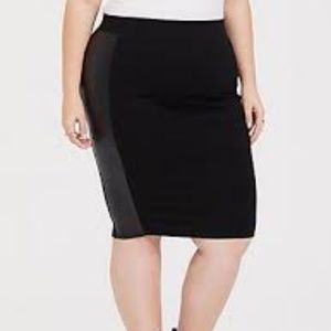 Torrid 3 Black Ponte & Faux Leather Pencil Skirt